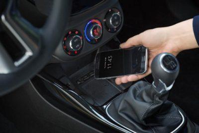 opel-adam-wireless-charging